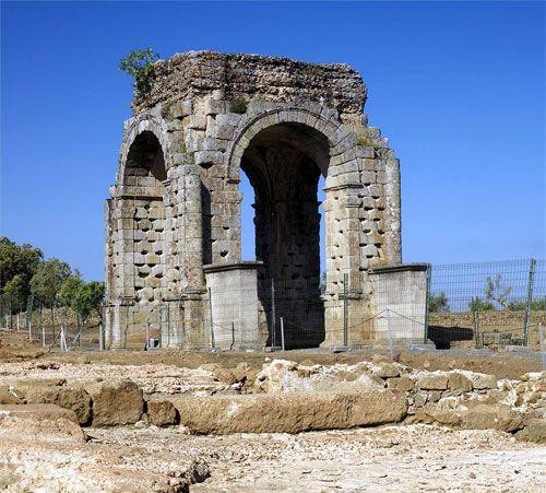 Ruinas Rómanas de Cáparra en Extremadura