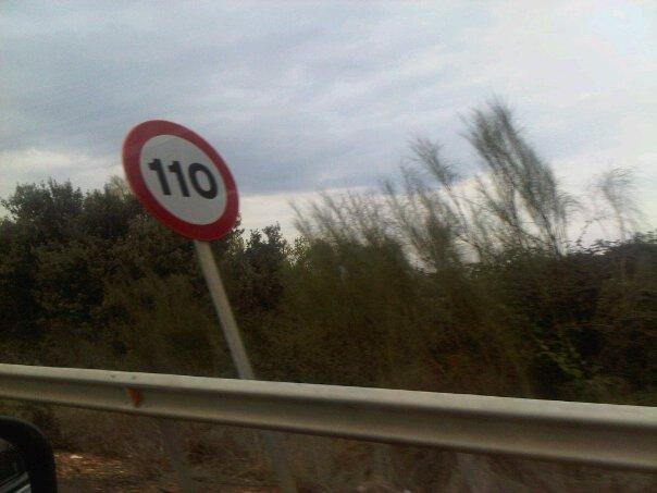 Foto de señal 110 en autovía Extremeña