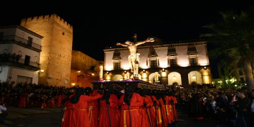Semana Santa en Caceres fotos de la procesion en la plaza mayor